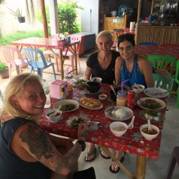 sharing-spicy-thai-food-koh-lanta-family-holiday-oct-16