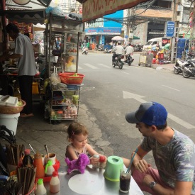 street-side-eating-district-1-ho-chi-minh-city-saigon