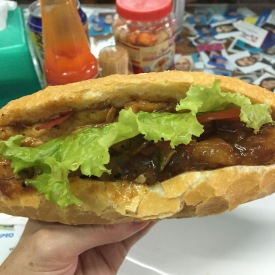 bahn-mi-phuong-vegan-tofu-bahn-mi-hoi-an